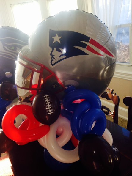 Centerpiece balloon twisting - Super Bowl