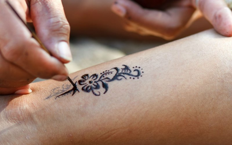 Temporary Tattoo Ink Like Henna: All You Need To Know About Customized, Temporary Tattoos